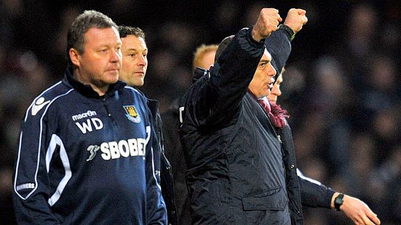 Avram Grant celebrates Carlton Cole's late winner