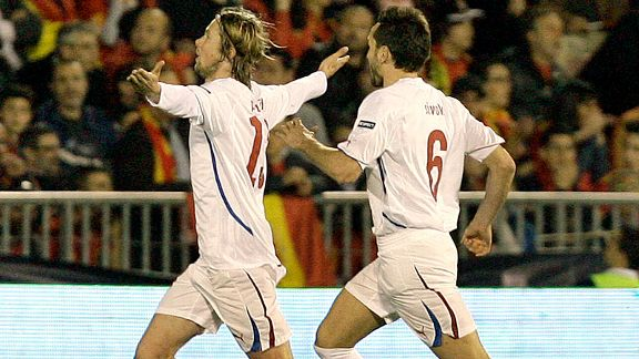 Jaroslav Plasil (l) celebrates with Tomas Sivok after putting Czech Republic in front in Spain.