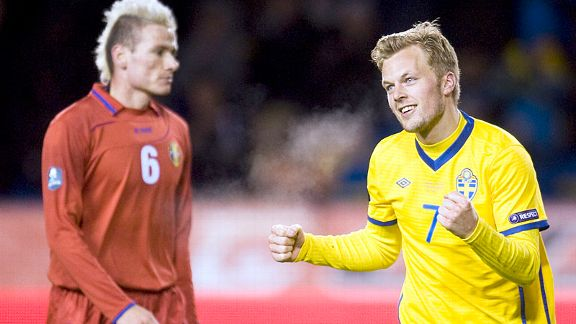 Sebastian Larsson netted Sweden's vital second in a 2-1 win over Moldova.