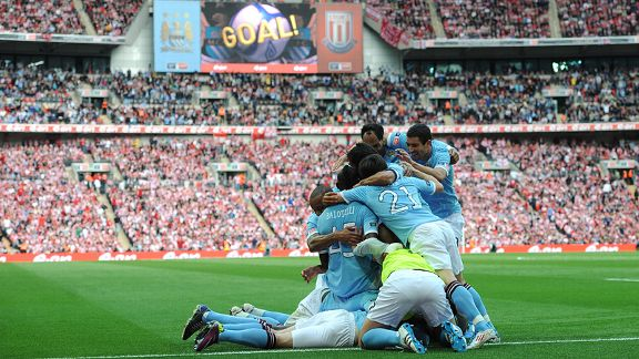 Manchester City English FA Cup Final 2011 Celebration [PHOTO]