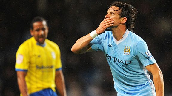 Owen Hargreaves celebrates scoring on his Man City debut