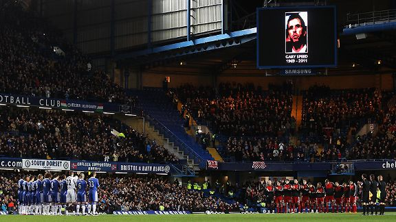 Chelsea and Liverpool pay tribute to Gary Speed at Stamford Bridge