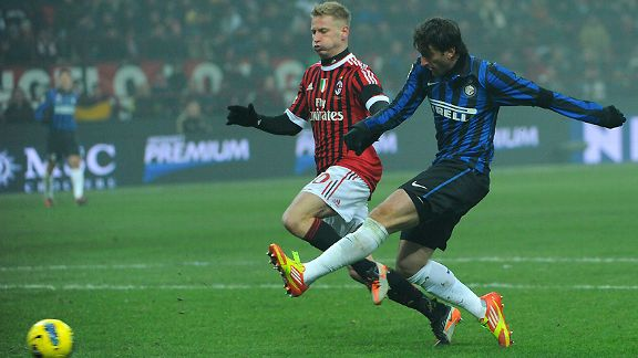 Diego Milito scores for Inter Milan in the derby