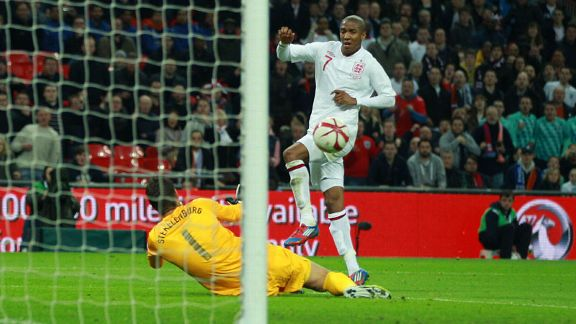 Ashley Young goal Netherlands v England