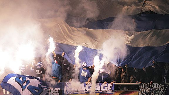 Schalke fans turn the air blue