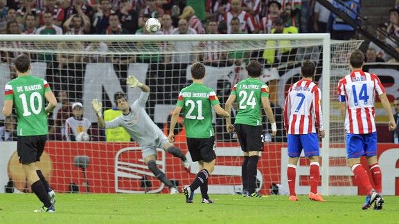 Athletic goalkeeper Gorka Iraizoz is unable to keep out Falcao's opening goal
