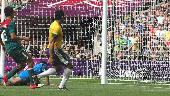 Hulk scores late goal in the final