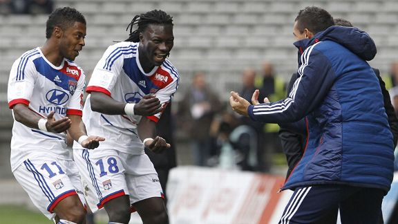 Bafetimbi Gomis celebrates