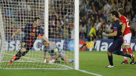 Lionel Messi scored twice to give Barcelona a 3-2 victory
