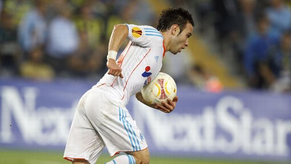 Mathieu Valbuena picks up ball Marseille Fenerbahce