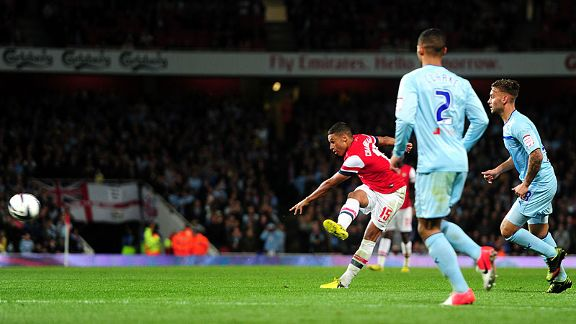 Arsenal's Alex Oxlade-Chamberlain scores his side's second goal of the game