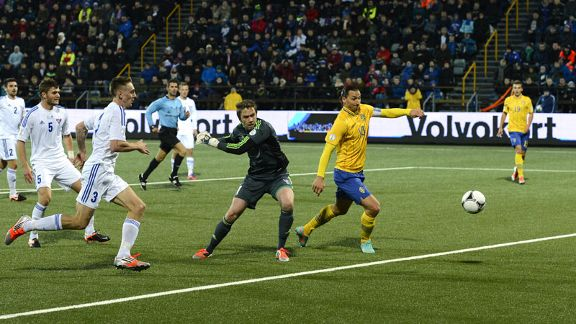 Zlatan Ibrahimovic scores the winning goal for Sweden