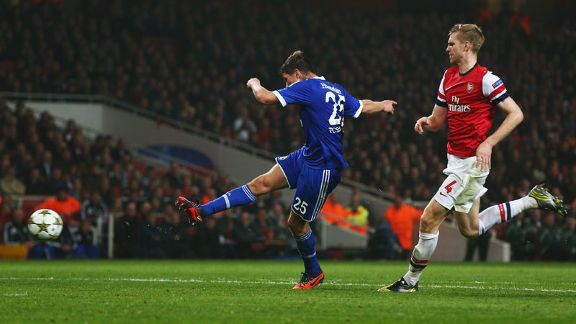 Klaas-Jan Huntelaar fires Schalke into the lead at Arsenal