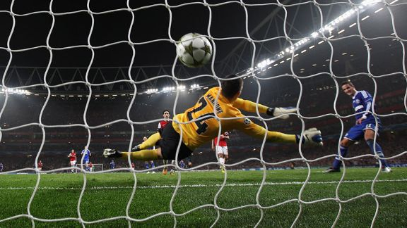 Ibrahim Afellay scores Schalke's second to make sure of victory at Arsenal