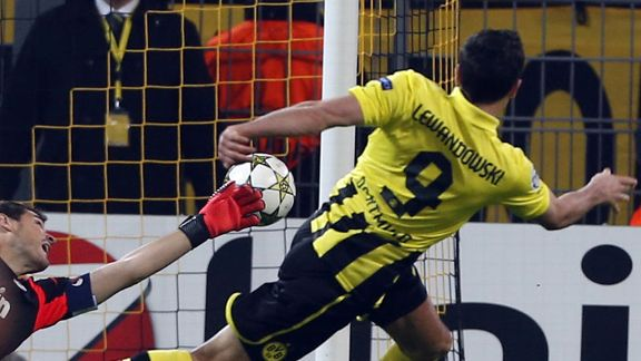 Robert Lewandowski fires Dortmund into the lead against Real Madrid