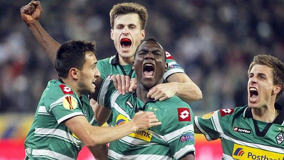 Peniel Kokou Mlapa roars after scoring Gladbach's second goal against Marseille