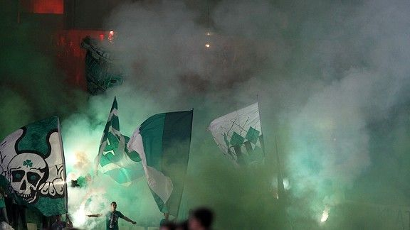 Panathinaikos fans in the smoke against Lazio