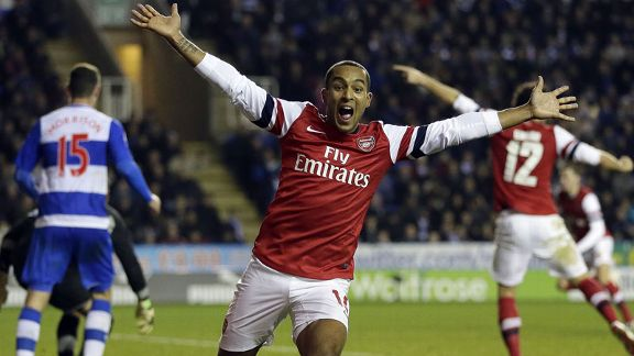 Theo Walcott celeb Reading v Arsenal