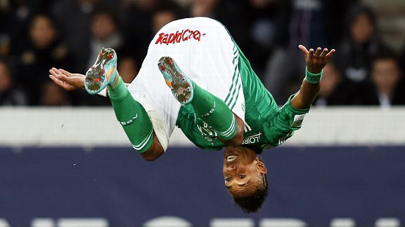 Pierre Emerick Aubameyang celebrates after scoring what proved to be St Etienne's winner at PSG