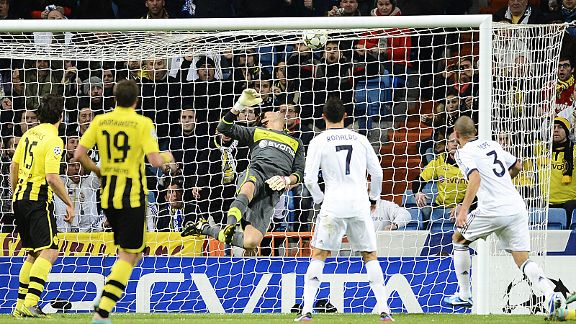 Pepe heads Real Madrid level at 1-1 against Borussia Dortmund