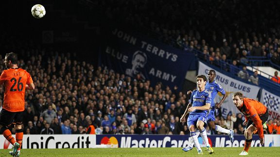 Oscar scores v Chelsea's second against Shakhtar from distance