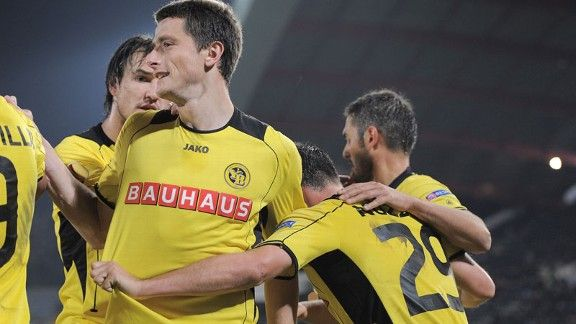 Raphael Nuzzolo celebrates his goal for Young Boys
