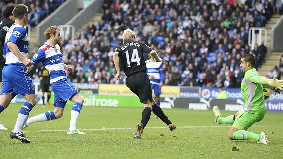 Steven Naismith fires Everton in front against Reading