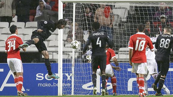 Georgios Samaras head home Celtic's equaliser at Benfica