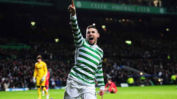 Gary Hooper celebrates after giving Celtic the lead