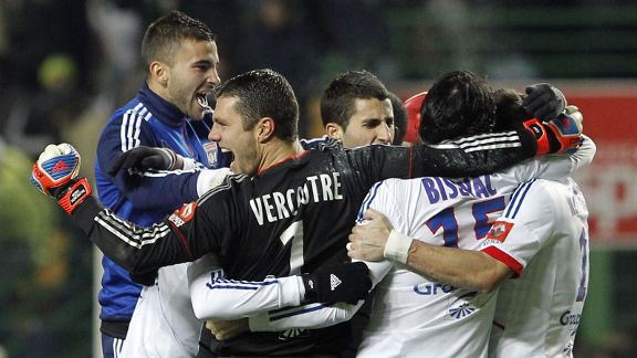 Lyon celebrate their victory over St Etienne