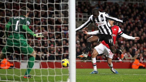 Demba Ba nets his second of the game to make it 3-3
