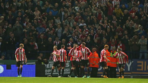 Sunderland celebrate after Craig Gardner's equaliser