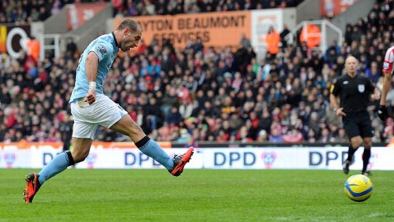 Pablo Zabaleta fires home the winner for Manchester City