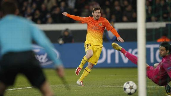 Lionel Messi fires Barcelona into the lead at Paris Saint-Germain