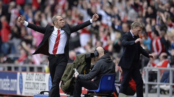 Sunderland boss Paolo Di Canio celebrates Stephane Sessegnon's goal against Everton
