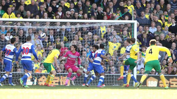 Ryan Bennett scores for Norwich against Reading