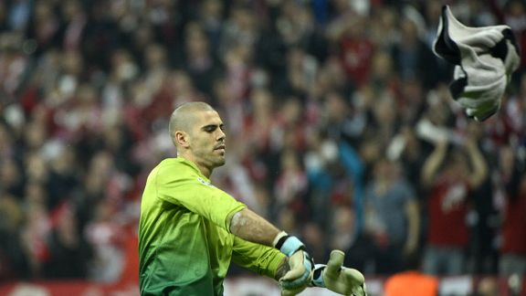 Victor Valdes angrily reflects on conceding four goals against Bayern Munich