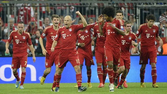 Bayern Munich players celebrate taking the lead against Barcelona