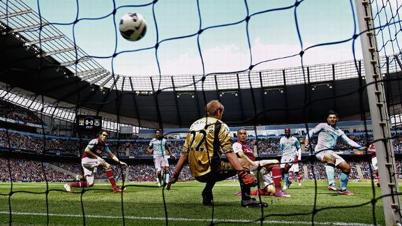 Sergio Aguero fires Manchester City ahead against West Ham