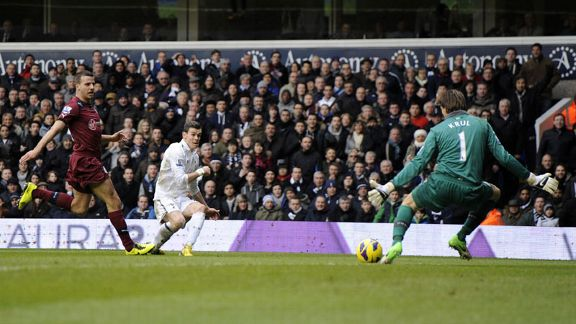 Gareth Bale fires in the winning goal for Spurs