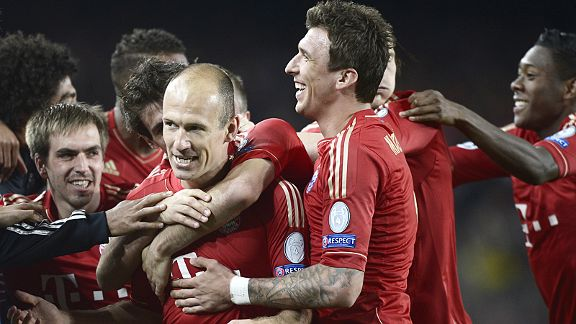 Bayern celebrate after Arjen Robben put them a goal to the good at Barca