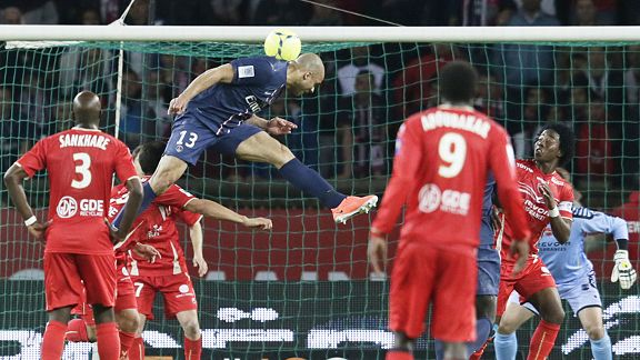 Alex heads home PSG's late leveller against Valenciennes