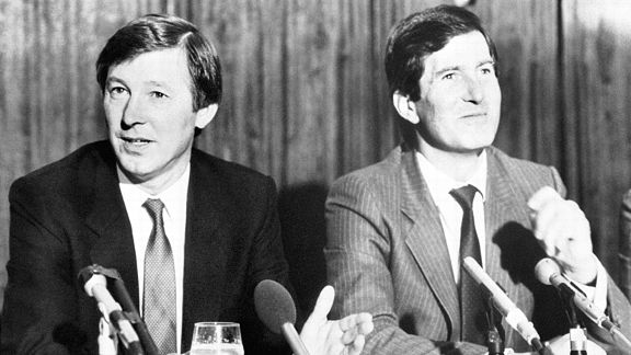 Sir Alex Ferguson is unveiled as the new Manchester United manager by Martin Edwards on November 5, 1986