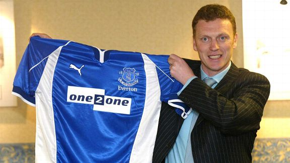 David Moyes holds up an Everton shirt after agreeing to become the club's new manager in 2002