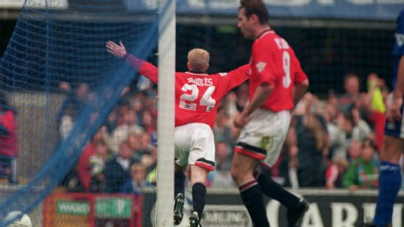 Scholes scored a consolation goal in his Premier League debut against Ipswich in 1994