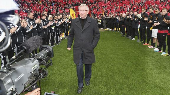 Sir Alex Ferguson is given a guard of honour ahead of Manchester United's meeting with Swansea