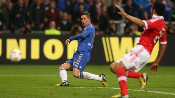 Fernando Torres fires Chelsea into the lead