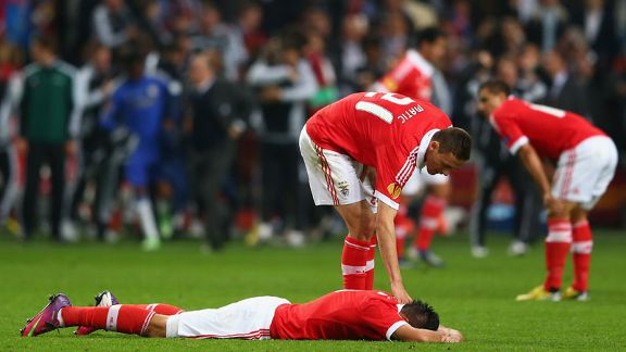 Nemanja Matic consoles Oscar Cardozo at the final whistle