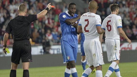 Mario Balotelli red card Italy Czech Republic