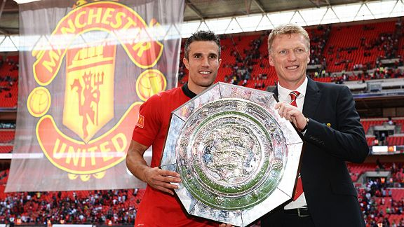 Robin van Persie and David Moyes with the Community Shield